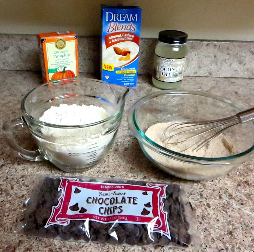 Making vegan muffin mix